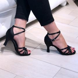 Luccia - Chaussures de danse latine à lanières en satin noir - DANSEZ-VOUS