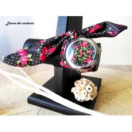 Montre bracelet tissu à nouer  à imprimés fleurs rose ronds géométrique rose
