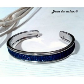 Bracelet jonc argenté Textile: lanière bleu irisée dorée