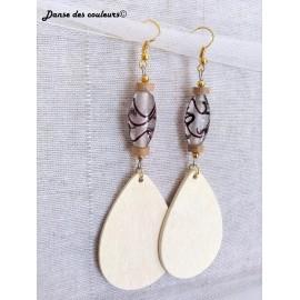 Boucles Ethniques chics gouttes en bois blanc verre et or