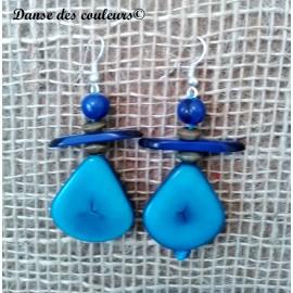 Boucles en pétales d'ivoire végétal et graines açaï : turquoise